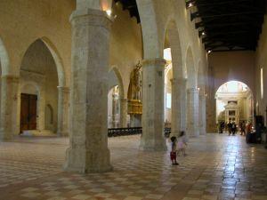 Interno della chiesa subito prima del terremoto, L'Aquila (Paolo Giammarroni)